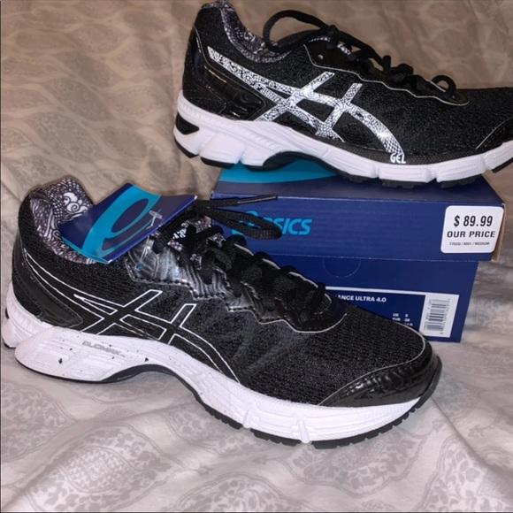 NEW. ASICS GEL Enhance Ultra 4 Running Shoe NWT